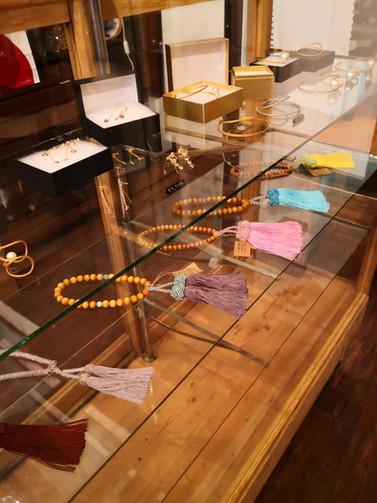 ラボテリアにて夢花お念珠を出品しています。