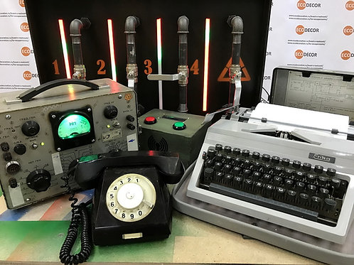 Portable room Back to the USSR escape room kit
