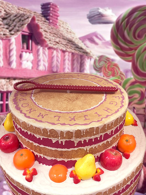 Cake with clues (Cake and Phone)