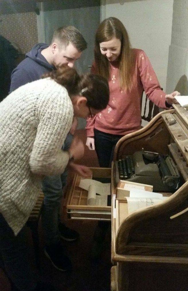 Typewriter inside escape room