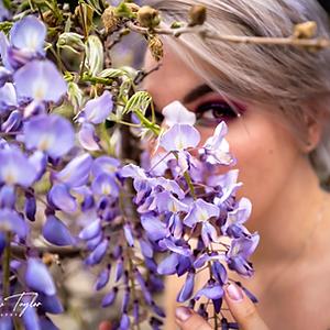 Alicia - flowers
