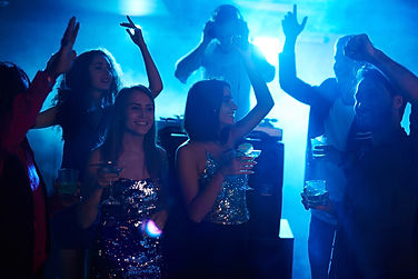 Girls-dancing-all-night-391260.jpg