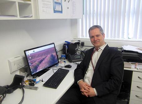 dr-grant-main-pic.jpg