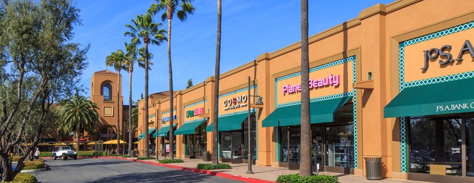RETAIL CENTERS