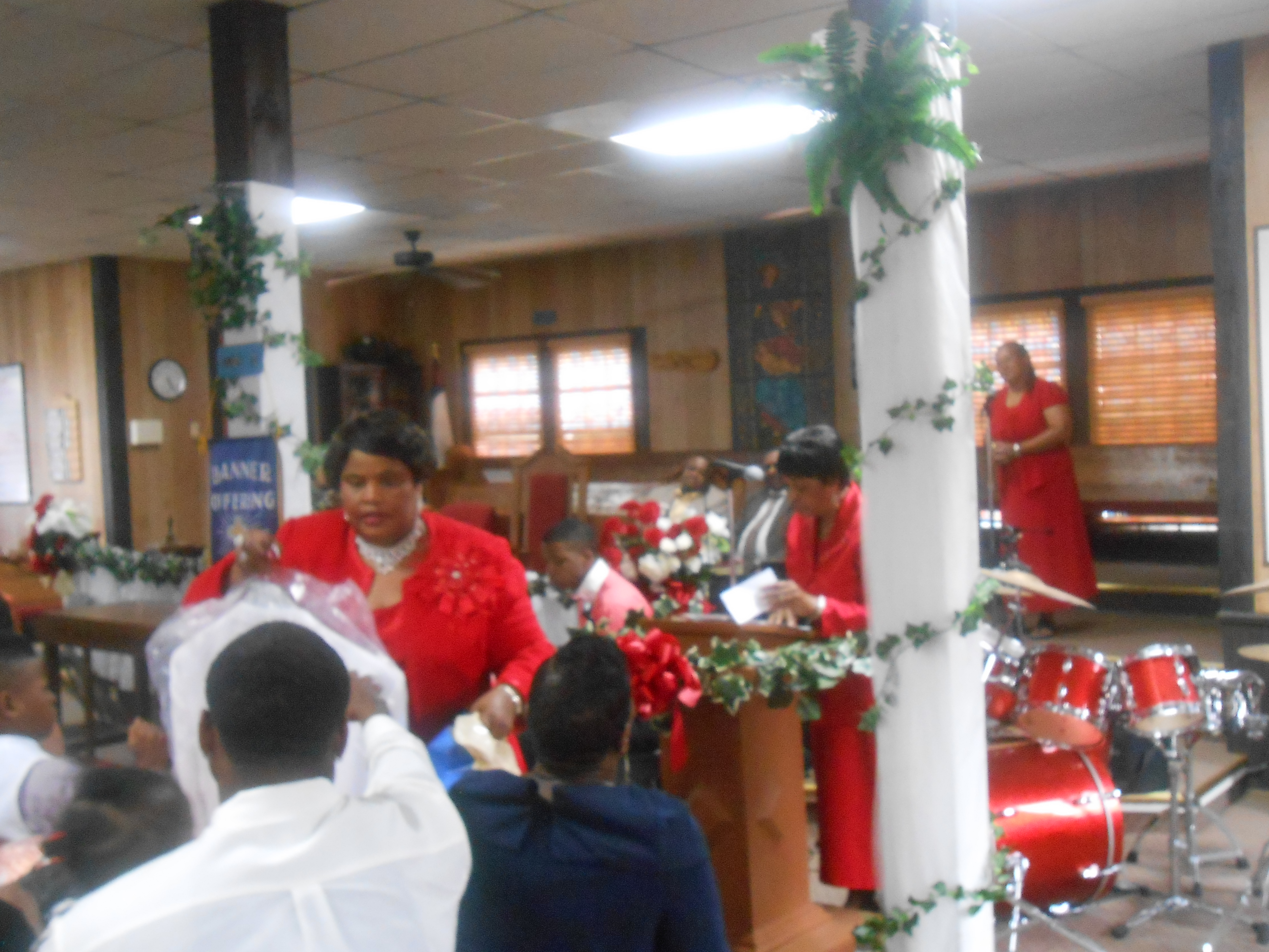 Pastor & Wife 14th Anniversary 6-26-2016 (74)