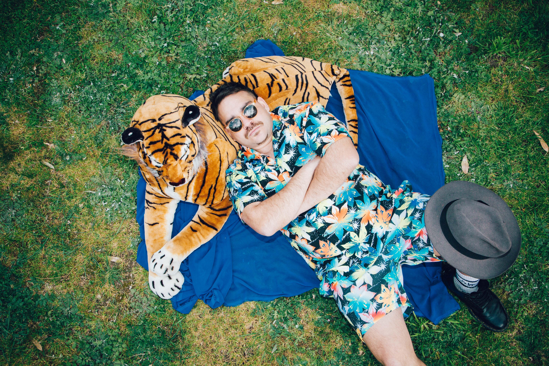 DALLAS WOODS tiger and chill PHOTO CREDI