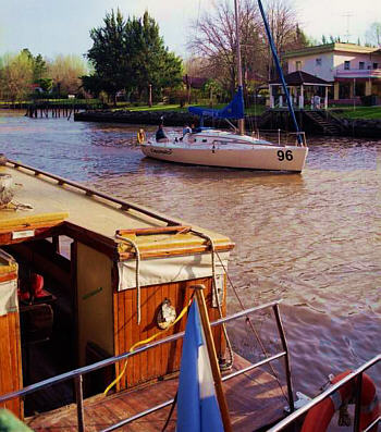 Delta 6 river navigation