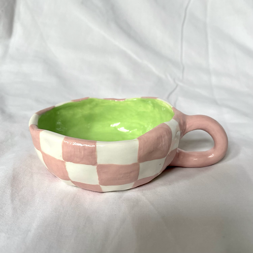 Pink check cup
