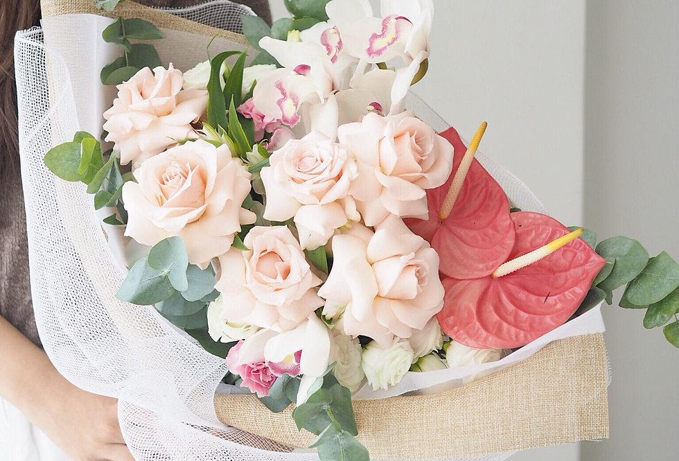 Blush Bouquet Arrangement | 1,100,000 IDR