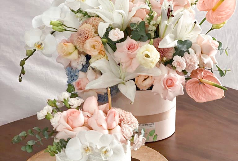 White Orchid Pastel Blooms x Cake Combo   155 AUD
