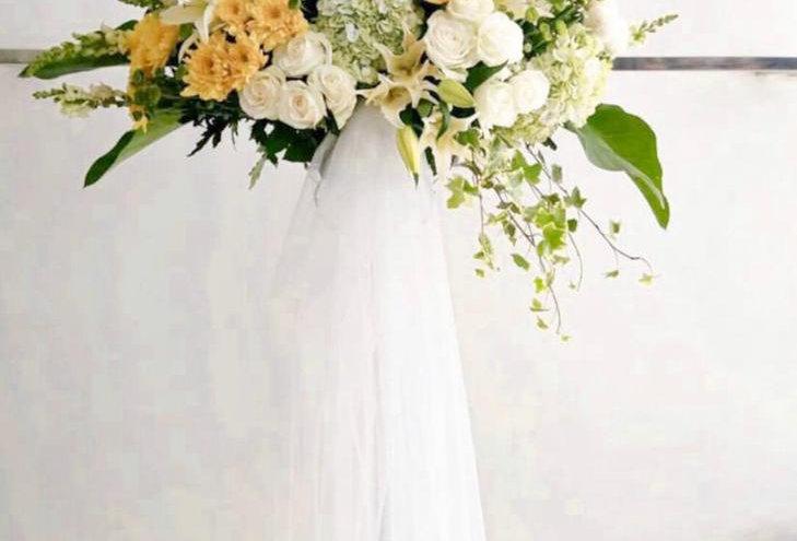 Vibrant Standing Flowers | 1,200,000 IDR