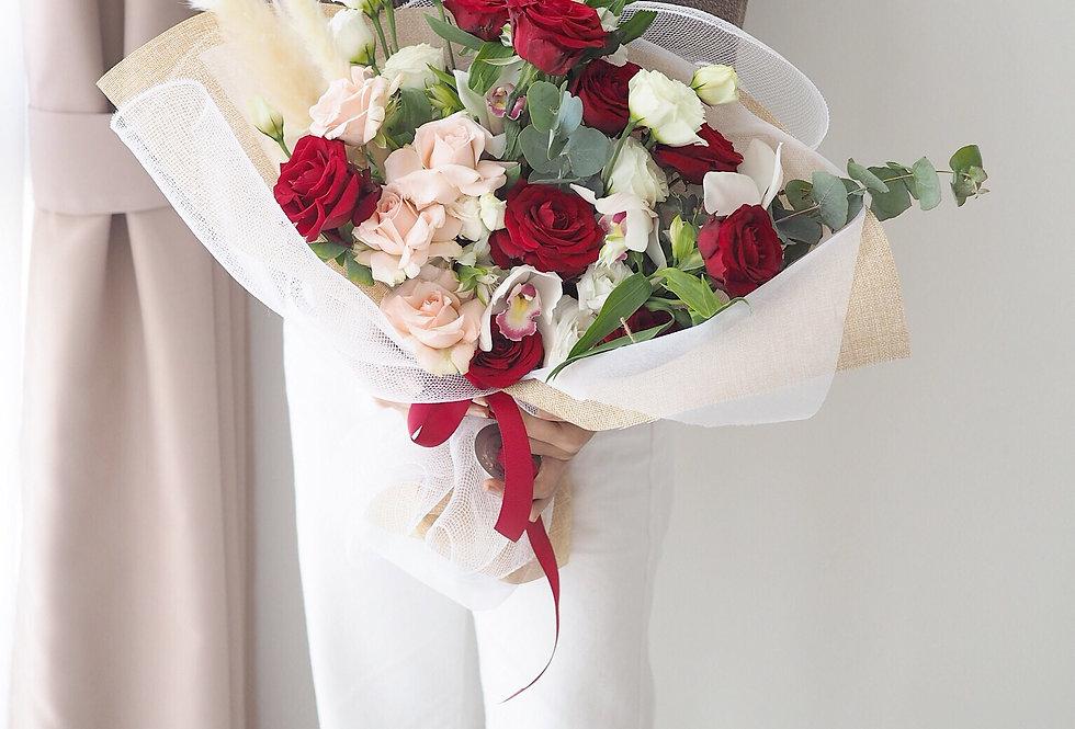 Bold Contrast Bouquet | 1,100,000 IDR