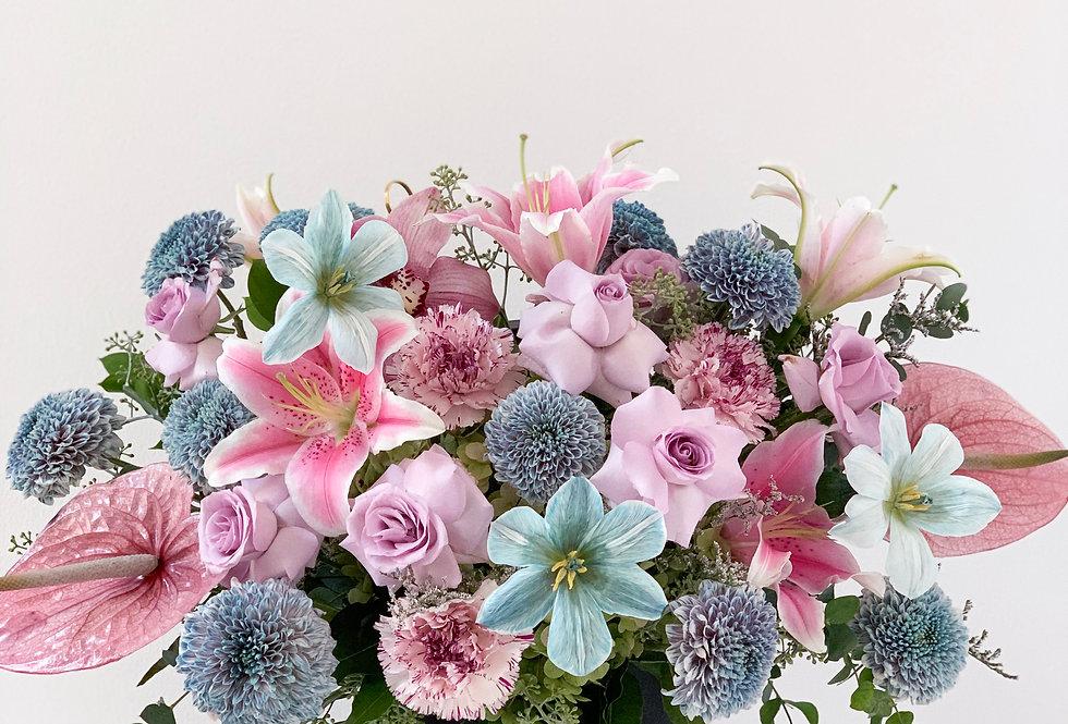 Bubblegum Midi Bloom Box | 100 AUD