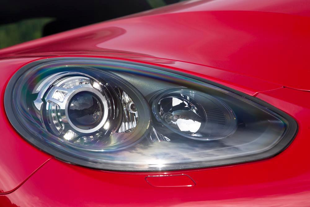 2014 Porsche Panamera headlight example by myautoworld