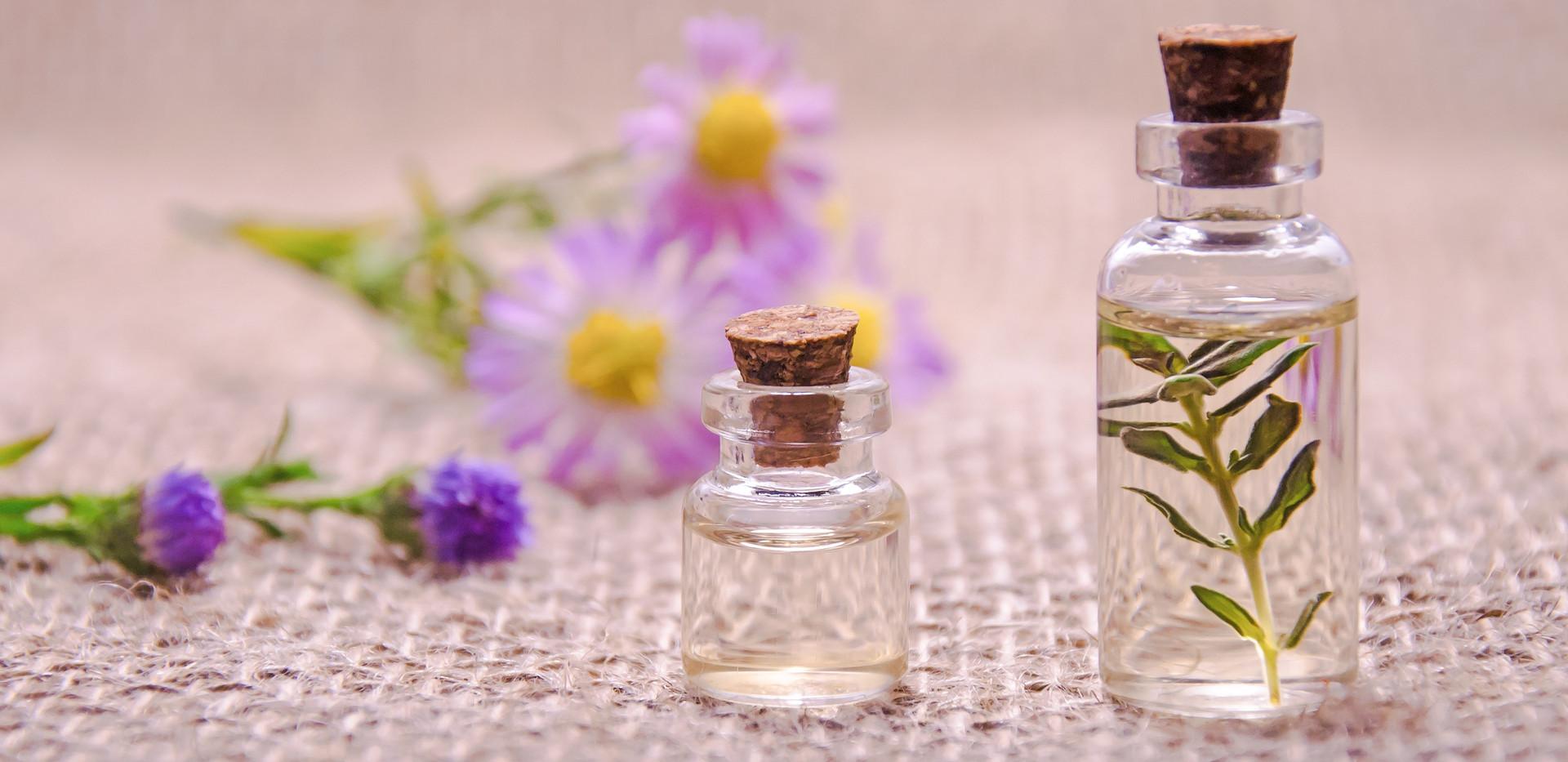 essential-oils-3084952.jpg