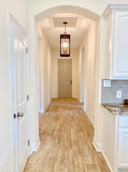 Elongated Entry Way
