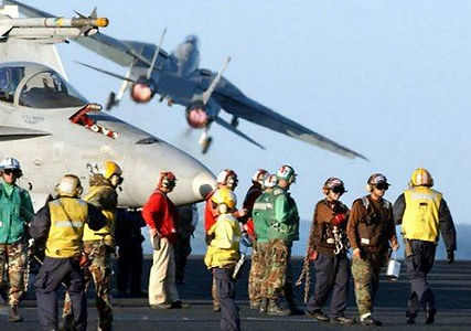 Flight Deck Hornet - Tomcat Launch.jpg