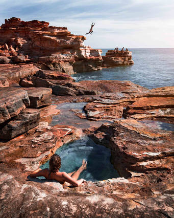 Cliff jumping at Gantheaume Point, Broome, Australia