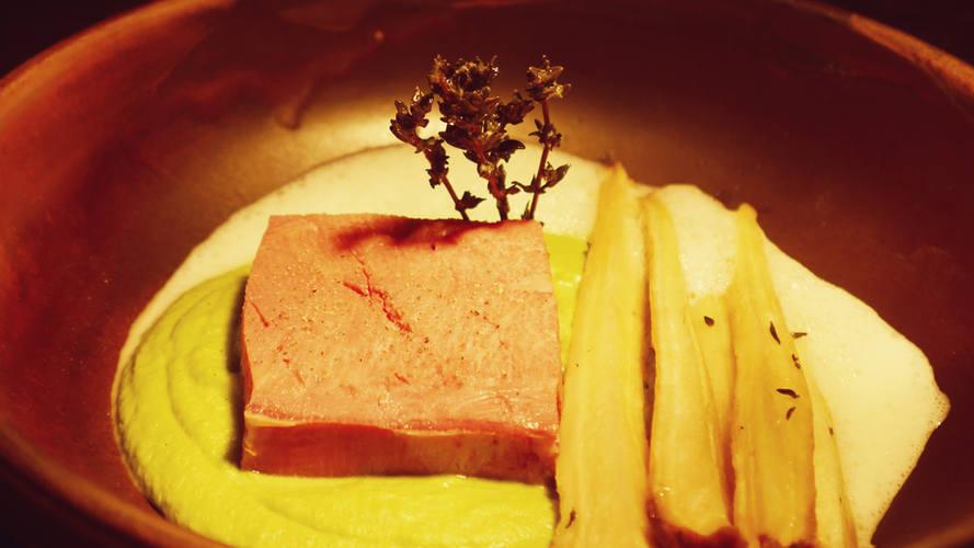 Rinderzunge | Erbsenpüree | Pastinaken | Wasabi