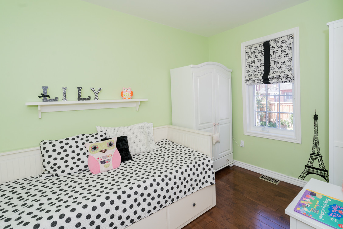 Fun Girls bedroom 1.jpg