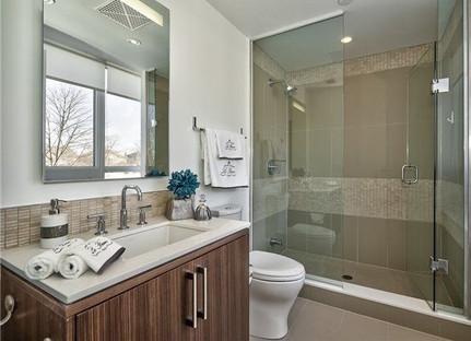 Condo bath.jpg