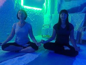 соляная пещера, йога в соляной пещере, гало-йога