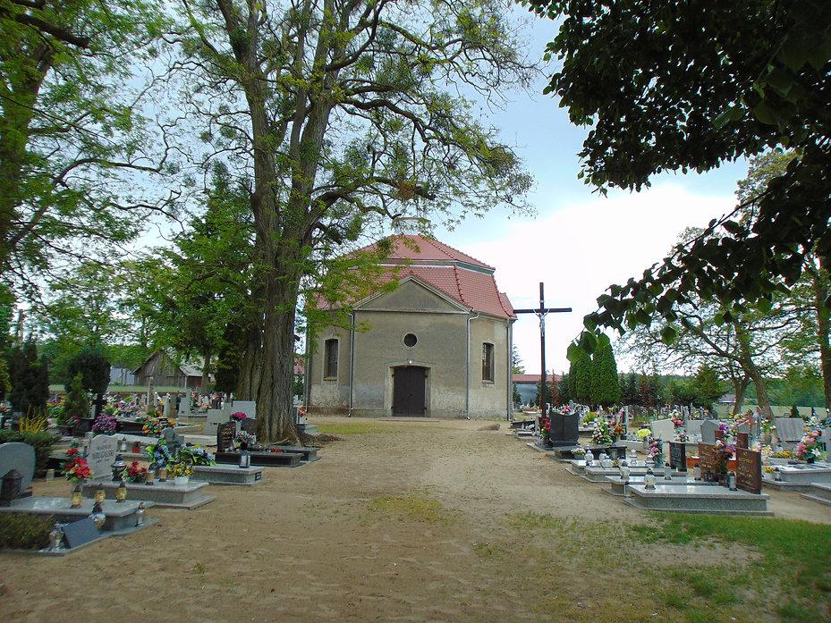 Cmentarz katolicki w Wartosławiu.JPG