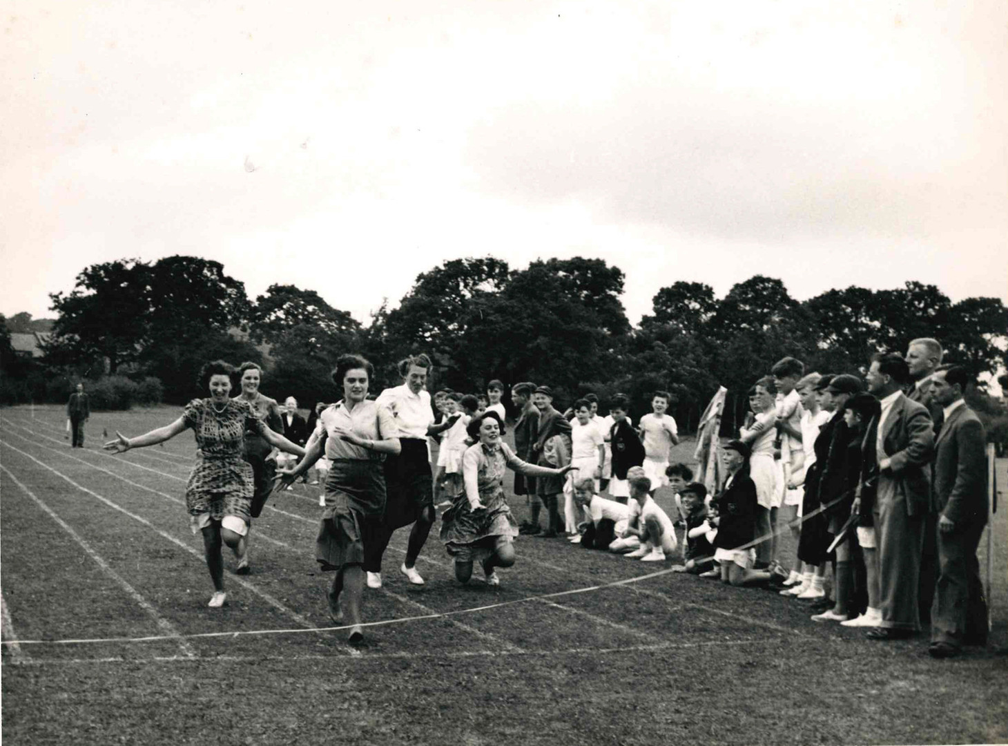 Mothers Race Sports Day 1938 query.jpg