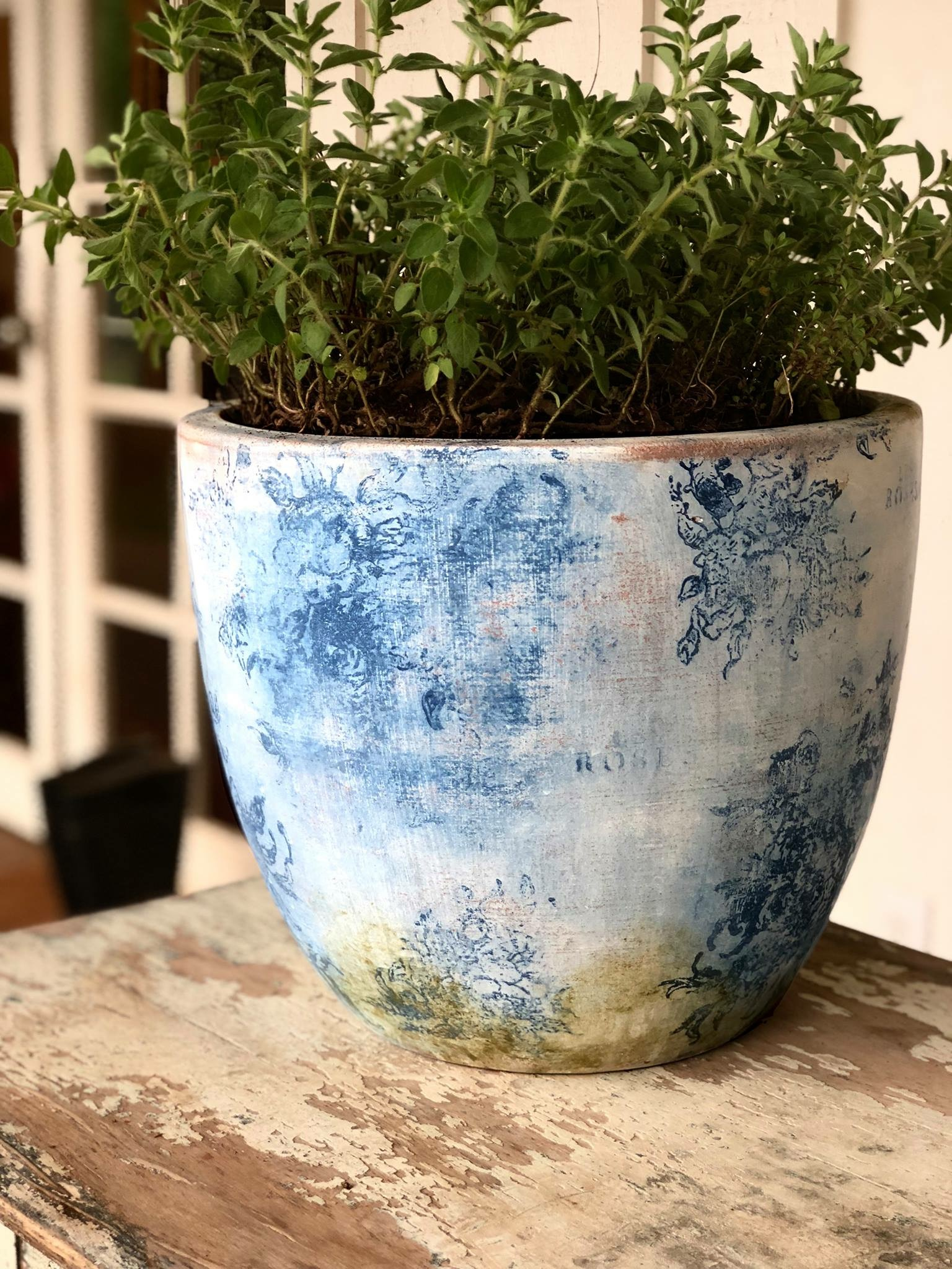 flow blue pot