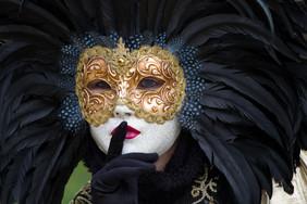 Carnival-Carnival_of_Venice-Venetian_mask.jpg