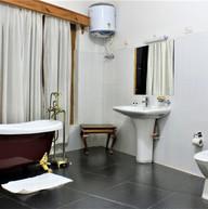 YT Hotel | Washroom