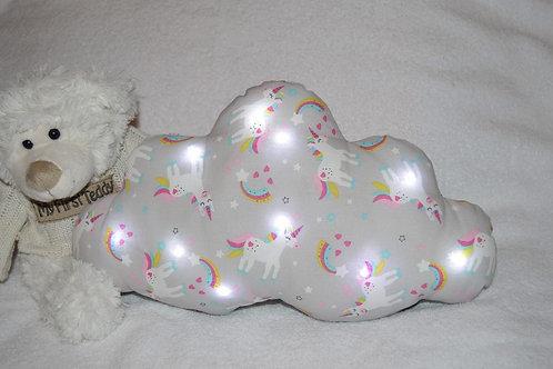 veilleuse bébé, coussin nuage lumineux, motifs licorne arc en ciel