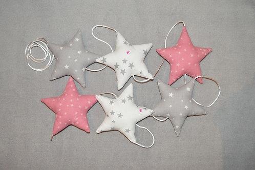Guirlande de 6 étoiles en tissu de couleur blanc, rose et gris