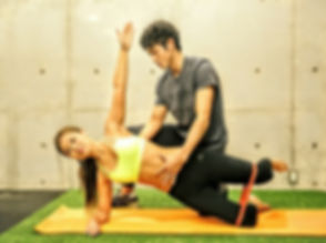 ボディメイク、ダイエット、姿勢改善、コンテスト出場、健康増進、パフォーマンスUP。様々な目的を持つクライアントを担当してきた経験から、複数の異なるトレーニング方法を組み合わせる事で効率良く身体が変化するという事に気付く。