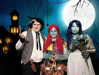 HalloweenGreenScreen.JPG
