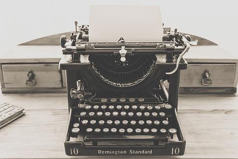 typewriter-1248088.jpg