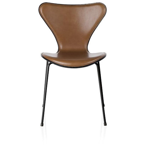 Fritz Hansen Series 7 Side Chair