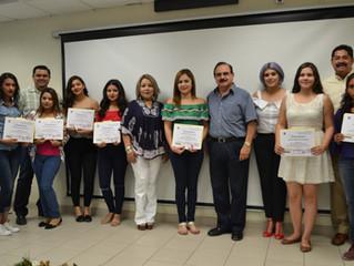 Entrega de reconocimientos alumnos de Operaciones Comerciales Internacionales
