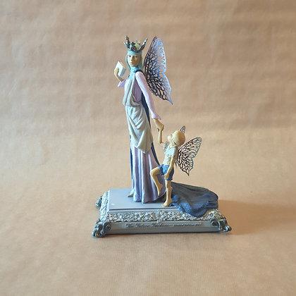 *Reine des Fées et enfant* de Clarecraft Millennium Faerie