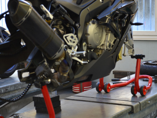 Motorrad Service / Reifenservice