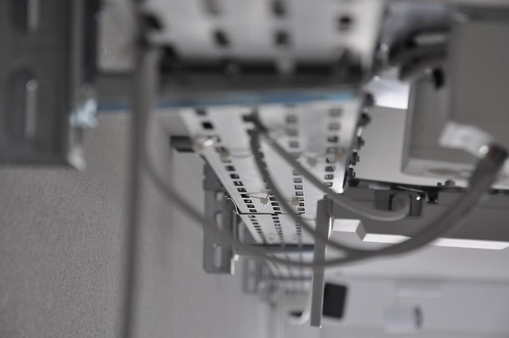 IT Infrastruktur modernes Autohaus Automobilwerkstatt