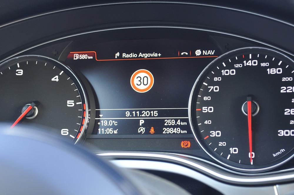 AUDI A6 4G Verkehrszeichenerkennung