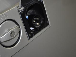 VW T6 Califronia, VW T5 California, Deckel für Frischwasser und Strom in  Wagenfarbe lackieren ab CH