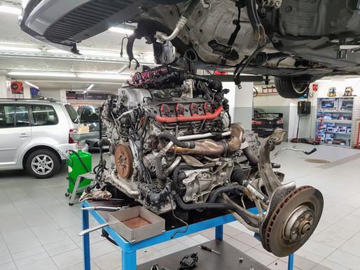 Audi S5 Motor und Getriebe ausbauen | Service, Inspektion, Carrosserie, Räder & Reifen für alle Mark