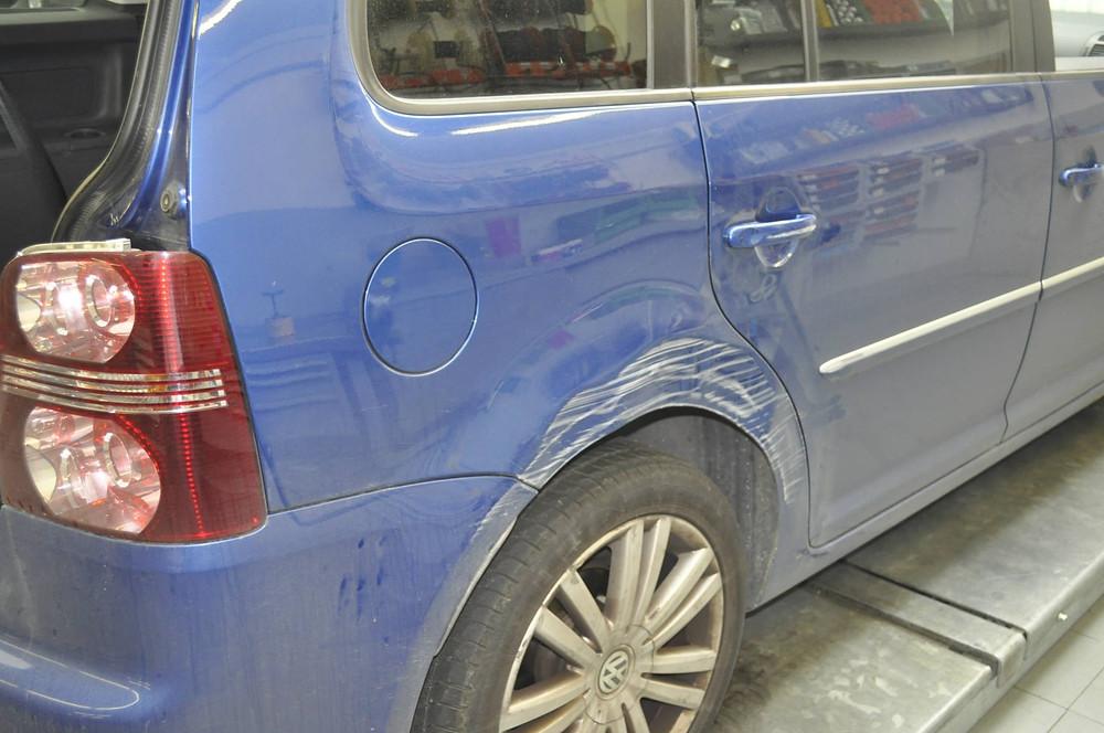 VW Touran Carrosserieschaden reparieren