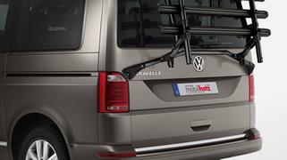 VW T6 schwarzer Fahrradträger, Veloträger VW T6 für Heckklappe in schwarz matt. Veredelter VW origin