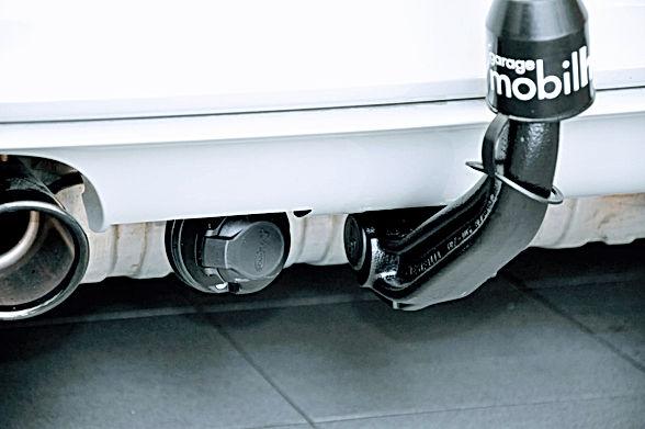 BMW M4 Anhängerkupplung nachrüsten.jpg