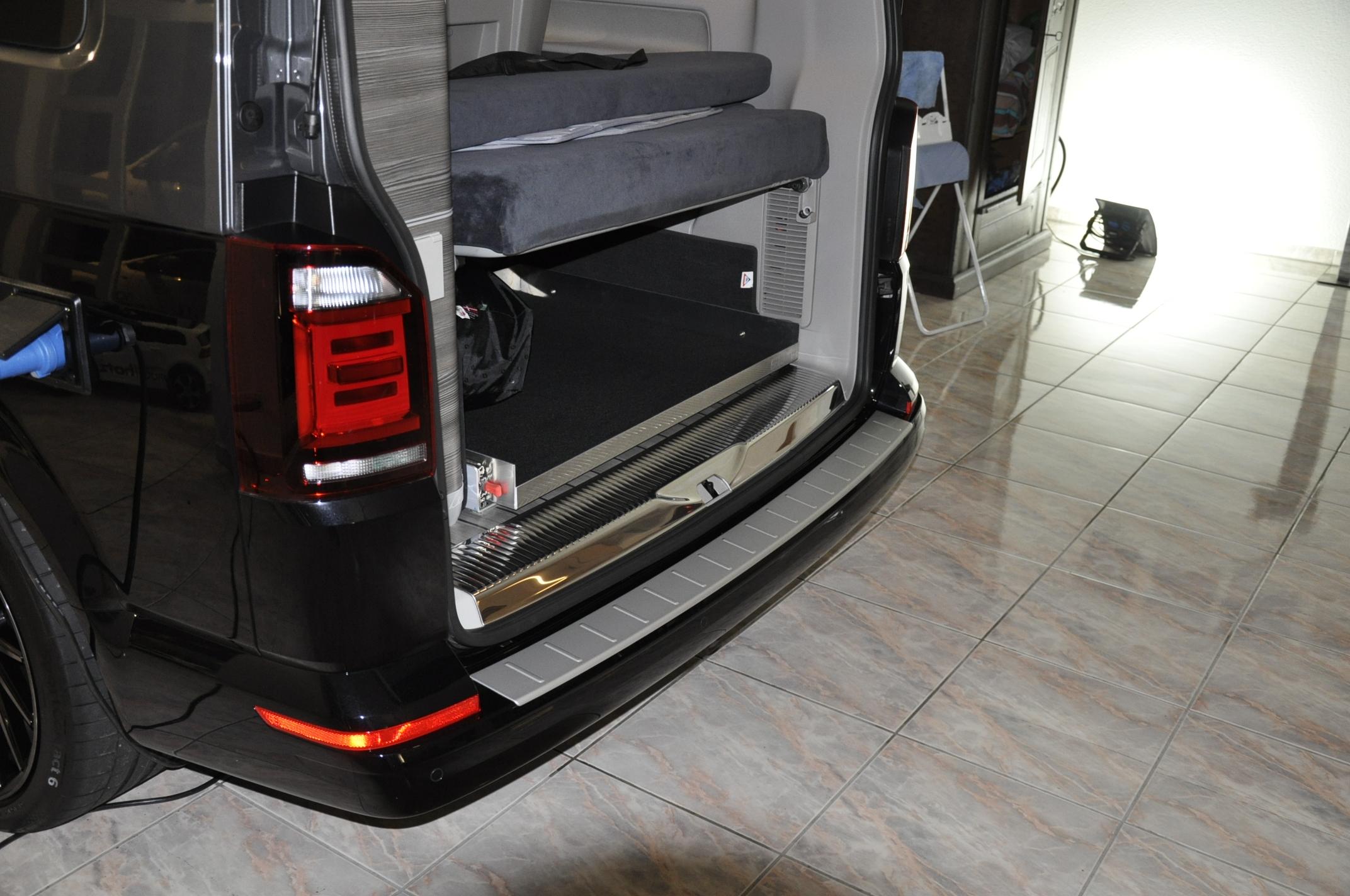 VW California Edelstahl-Heckabdeckung