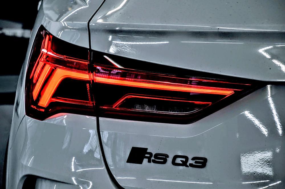 Audi F3 Q3 SQ3 RS Q3 | Heckleuchte mit Tagfahrlicht aktivieren