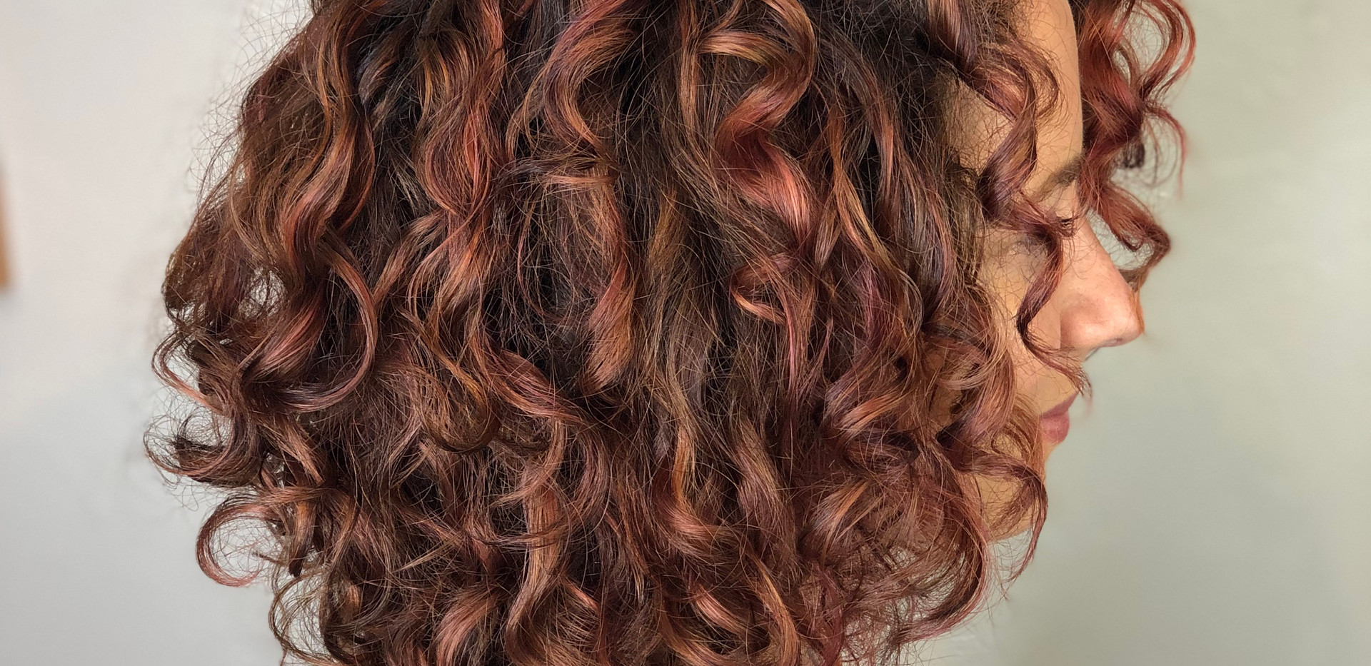 Abelia Curls Cut + Pintura Rose Highligh
